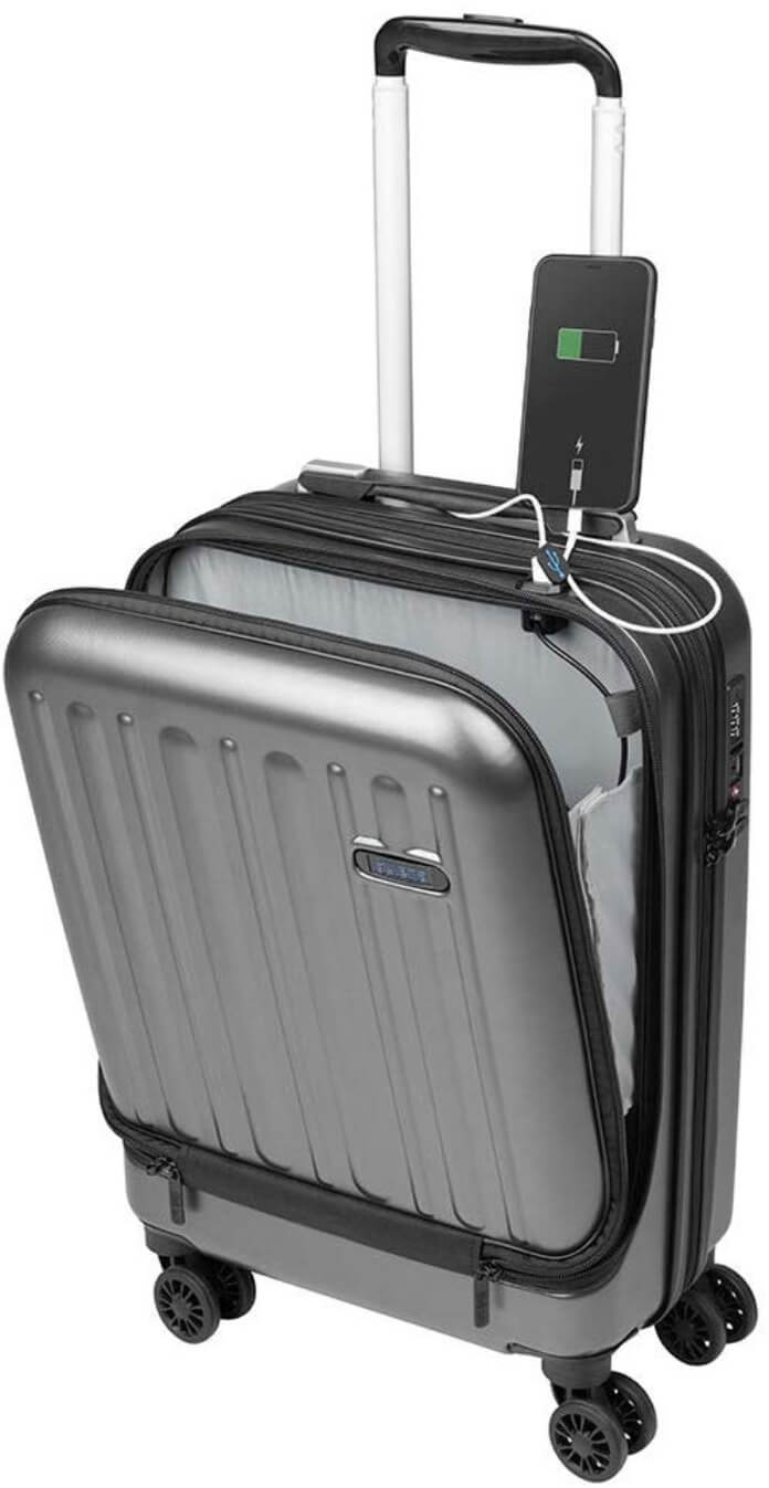 American tourister Sulema